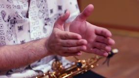 Muzyk ręki klascze rhythmically zbiory