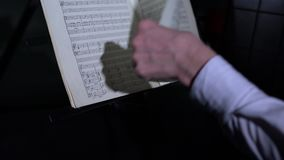 Muzyka kręcenia strona muzyczna książka, zakończenie zbiory wideo
