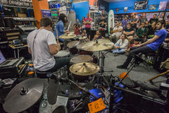 Muzyka sklepu bębenu demonstraci społeczeństwo Zdjęcie Stock