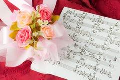 muzykalne notatki wzrastali Zdjęcie Royalty Free