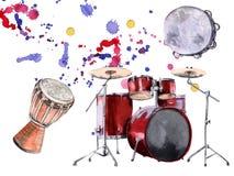 Muzykalni perkusja instrumenty pojedynczy białe tło Obraz Stock