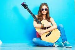 Muzyki dziewczyny stylowy piękny portret Obraz Stock