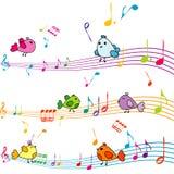 Muzyki notatka z kreskówka ptaków śpiewać Zdjęcia Royalty Free