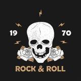 Muzyki rockowej grunge druk dla odzieży z zredukowaną czaszką i wzrastał Rocznik rolki typografia dla koszulki projekt dla odziew ilustracja wektor