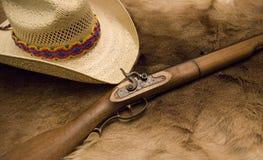 Muzzleloader e cappello Fotografie Stock Libere da Diritti