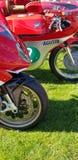 MV Agusta klasyczni motocykle przy Auto Italia wydarzeniem przy Brooklands Zdjęcia Royalty Free