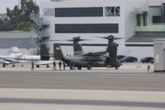 MV-22B εδάφη Osprey στη Σάντα Μόνικα στοκ φωτογραφίες