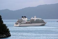 MV Seabourn Zoektocht dichtbij Aenes, Noorwegen royalty-vrije stock foto's