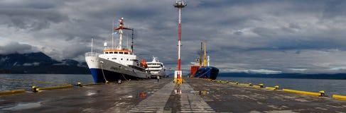 MV Ushuaia cruiseschip klaar om mannetjeseendpassage aan Antarctica te kruisen stock afbeeldingen