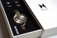 Mvmt Orion kobiety zegarek w białym pudełku zdjęcia royalty free