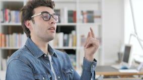 Myślący Kreatywnie mężczyzna przy pracą, Brainstorming pomysł zdjęcie wideo