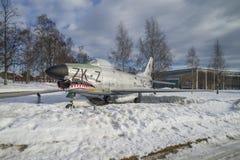 Myśliwiec odrzutowy wystawiony outside muzeum Zdjęcia Stock