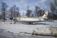 Myśliwiec odrzutowy wystawiony outside muzeum Obraz Royalty Free