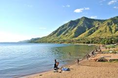 Myć odziewa w jeziorze Fotografia Royalty Free