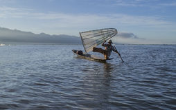 Myanmar Inle lago 5 de noviembre de 2014 Pescadores Imagenes de archivo