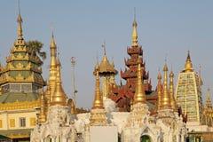 myanmar pagodashwedagon yangon Arkivbilder