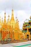 myanmar pagodashwedagon yangon Royaltyfri Bild