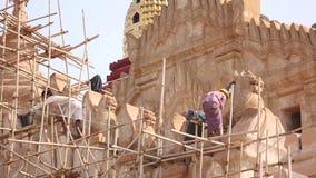 Myanmar pracownicy odnawią Kaunghmudaw pagodę zdjęcie wideo