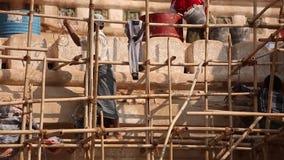Myanmar pracownicy odnawią Kaunghmudaw pagodę zbiory