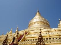Myanmar que sightseeing: Pagode dourado Bagan de Shwezigon Fotografia de Stock