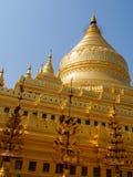 Myanmar que sightseeing: Pagode dourado Bagan de Shwezigon Imagem de Stock