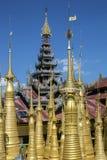 - Myanmar Shwe austerii Thein świątynia Ithein, Inle jezioro - Zdjęcie Royalty Free
