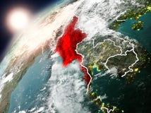 Myanmar sur terre de planète dans le coucher du soleil Photos libres de droits