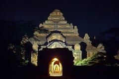 myanmar Templos de Bagan na noite Fotos de Stock