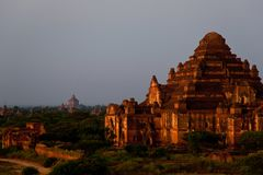 myanmar Templos de Bagan na noite Fotos de Stock Royalty Free