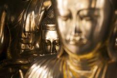 Myanmar - Yangon - den STORA SHWEDAGON-PAGODEN royaltyfri foto