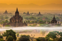 Myauk Guni i otta, Bagan, Myanmar Arkivbilder