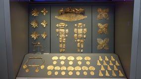 Mycenaeangoud in Museum van archeologie in Athene, Griekenland stock foto's