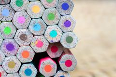 Mycket färgblyertspenna för skapar varje ting Royaltyfri Fotografi