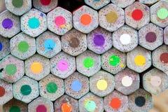 Mycket färgblyertspenna för skapar varje ting Arkivfoto