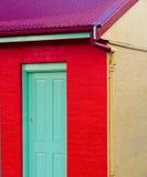 Mycket färgglat hus Royaltyfri Foto