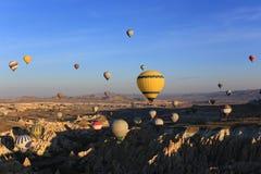 Mycket fo-ballooons på himmel fotografering för bildbyråer