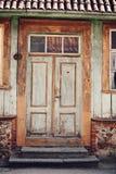 Mycket gammal dörr Arkivbild