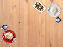 Mycket gemensam lokal thailändsk matbakgrund för presentation arkivfoto