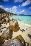 Mycket granit vaggar på en kust på Seychellernaen 41 Royaltyfria Foton