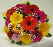 Mycket härlig blommabuquet av färger arkivbild