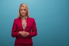 Mycket härlig TVpresentatör Royaltyfri Fotografi