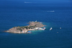 Mycket liten ö i det Aegean havet Fotografering för Bildbyråer