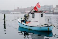 Mycket liten fiskebåt - Sonderborg, Danmark Arkivbild