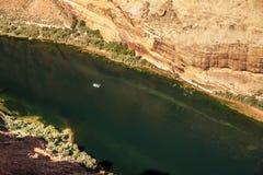 Mycket liten flotte på Coloradofloden Arkivbild