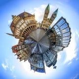 Mycket liten planet med horisont av Bremen den huvudsakliga marknadsfyrkanten, Tyskland Royaltyfri Foto