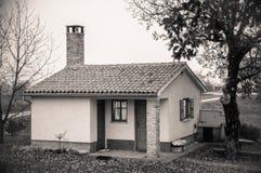 mycket litet hus Fotografering för Bildbyråer