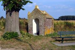 Mycket litet kapell för passersby Royaltyfri Bild