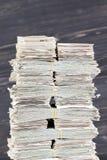 mycket papperskassa arkivfoto