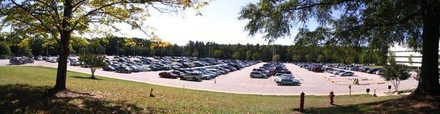 mycket parkera Arkivbild