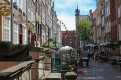 Mycket populär och charmig Mariacka gata - gata i Gdansk, Polen Royaltyfri Fotografi
